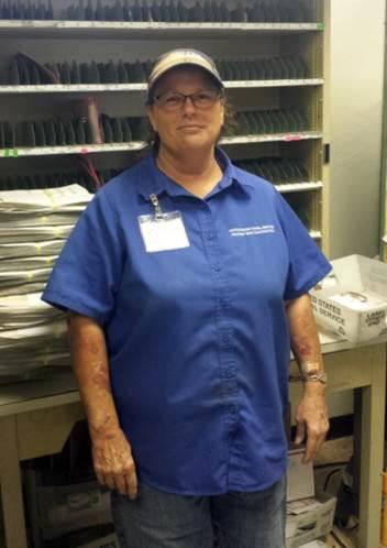 Duncan, AZ, HCR Carrier Jeannie Webb
