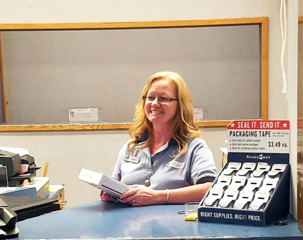 Tooele, UT, Retail Associate Betsy Tate